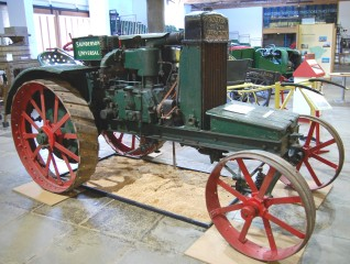 Saunderson Model G Universal tractor, built in 1916, with tools. Purchased with 50% grant from Science Museum and 50% from Friends.